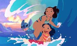 <p>Disney leva 'Lilo e Stitch' do Havaí ao Japão. Depois de fazer muita bagunça em seu arquipélago de origem, o Havaí, os personagens de animação da Disney 'Lilo e Stitch' estão prestes a desembarcar no Japão. A Disney planeja lançar uma versão japonesa do programa de TV. Cena do Filme. Photo by Reuters (Handout)</p>