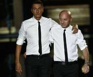<p>I due stilisti italiani Domenico Dolce (a destra) e Stefano Gabbana. REUTERS/Stefano Rellandini (ITALY)</p>