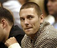 <p>Kevin Federline watches at an NBA game in Atlanta, November 18, 2006. Attorneys for pop star Britney Spears and ex-husband on Monday sparred over $1 million in legal fees in their child custody case as an official let stand a court order that has denied her custody and limited visits with their two sons. REUTERS/Tami Chappell</p>