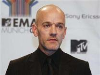 "<p>Lead singer of R.E.M, Michael Stipe, poses on the red carpet before the MTV Europe Awards ceremony in Munich November 1, 2007. Forget the traditional radio premiere: R.E.M.'s new album, ""Accelerate,"" is set to debut on the social networking application iLike. REUTERS/Michael Dalder</p>"