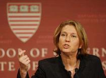 <p>A ministra israelense Tzipi Livni dando palestra em Harvard. Photo by Brian Snyder</p>