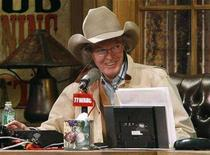 <p>Radio personality Don Imus talks on air during his return to radio in New York, December 3, 2007. REUTERS/Brendan McDermid</p>