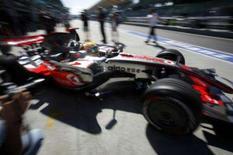 <p>O britânico Lewis Hamilton obteve na sexta-feira o melhor tempo nos treinos livres para o Grande Prêmio de Malásia, enquanto Felipe Massa e Kimi Raikkonen conseguiram que a Ferrari deixasse para trás uma semana turbulenta. Photo by Bazuki Muhammad</p>