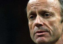 <p>Canada's Public Safety Minister Stockwell Day stands to speak in the House of Commons on Parliament Hill in Ottawa November 19, 2007. REUTERS/Chris Wattie</p>