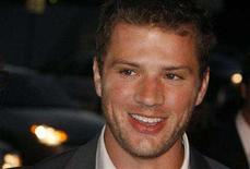 "<p>Ryan Phillippe, star of the film ""Stop-Loss"", poses as he arrives at the film's premiere in Hollywood, California March 17, 2008. REUTERS/Fred Prouser</p>"