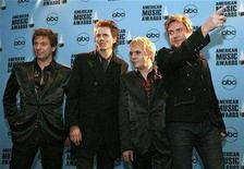 <p>Duran Duran band members pose backstage at the 2007 American Music Awards in Los Angeles, California November 18, 2007. REUTERS/Mario Anzuoni</p>