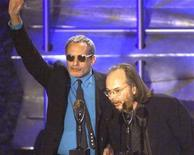 <p>Musicians Donald Fagan (L) and Walter Becker (R) of Steely Dan speak to the audience after being inducted into the Rock and Roll Hall of Fame at a ceremony in New York on March 19, 2001. REUTERS/Stringer</p>