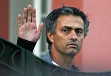 <p>L'ex allenatore del Chelsea Jose Mourinho. REUTERS/Hugo Correia</p>