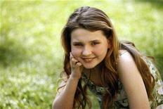 "<p>Actress Abigail Breslin, who portrays Nim in the movie ""Nim's Island"" poses for a portrait in Los Angeles March 19, 2008. The movie opens in the U.S. on April 4. REUTERS/Mario Anzuoni</p>"
