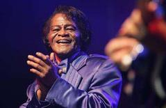 <p>James Brown performs in Zagreb November 5, 2006. REUTERS/Nikola Solic</p>