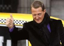 <p>O aposentado piloto de Fórmula 1 Michael Schumacher durante lançamento de campanha sobre o trânsito, em Bruxelas. Schumacher, heptacampeão mundial de F1, não tem planos de tentar repetir em uma moto o sucesso que conquistou sobre quatro rodas, apesar de ter ficado em quarto lugar em sua primeira corrida oficial de motos. Photo by Reuters</p>