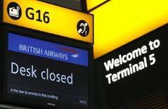 <p>Neve su Londra, British Airways cancella 114 voli a Heathrow. REUTERS PICTURE</p>
