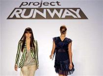 <p>Models walk the runway wearing designs by Jeffrey Sebelia during the Project Runway Spring 2007 fashion show in New York September 15, 2006. REUTERS/Brendan McDermid</p>