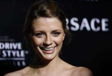 <p>Mischa Barton smiles at the Rodeo Drive Walk of Style Award event honoring Italian fashion designers Donatella Versace and her late brother Gianni, in Beverly Hills California February 8, 2007. REUTERS/Mario Anzuoni</p>