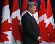 <p>Canada's Prime Minister Stephen Harper waits to speak during an event in Ottawa April 8, 2008. REUTERS/Chris Wattie</p>