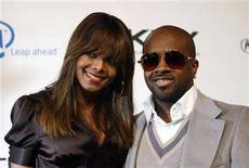 <p>Janet Jackson and Jermaine Dupri attend a benefit at the Esquire House 360 in Beverly Hills November 1, 2006. Consumer products giant Procter & Gamble is getting into the hip-hop business by launching a record label with Island Def Jam Music Group, to be run by Dupri. REUTERS/Mario Anzuoni</p>
