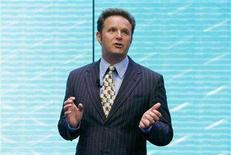 <p>Producer Mark Burnett addresses the audience about the upcoming Shrek III film during announcements by AOL regarding their 2007-2008 lineup in New York April 17, 2007. REUTERS/Lucas Jackson</p>