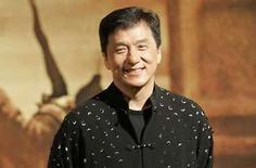 <p>El actor chino Jackie Chan en Hong Kong, 18 mar 2008. 'The Forbidden Kingdom', una primera colaboración entre los héroes de acción Jackie Chan (en la foto) y Jet Li, venció a sus rivales de taquilla el fin de semana en Norteamérica, siendo también la primera película de artes marciales en estrenarse como número 1 en casi cuatro años. Según estimaciones del estudio divulgadas el domingo, 'The Forbidden Kingdom' vendió 20,9 millones de dólares en entradas durante sus primeros tres días, para superar las previsiones de la industria. Photo by Victor Fraile/Reuters</p>