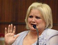 <p>Virgie Arthur, the mother of the late entertainment celebrity Anna Nicole Smith, asks for a break to compose herself during a hearing in Broward County Circuit Court in Ft. Lauderdale, Florida February 21, 2007. REUTERS/Lou Toman/Sun-Sentinel/Pool</p>