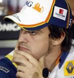 <p>Piloto espanhol Fernando Alonso, da Renault, participa de entrevista coletiva no circuito da Catalunha, nesta quinta-feira, em Barcelona. Photo by Albert Gea</p>