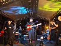 <p>A banda Os Mutantes apresentam nova canção durante show no Teatro Municipal de São Paulo, dia 24 de abril. Nem Rita, nem Zélia. Agora é Bia. A banda Mutantes faz jus ao nome e volta com mais uma nova formação, incluindo a cantora Bia Mendes e sem o músico Arnaldo Baptista.HO Photo by $Byline$</p>