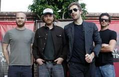 <p>A banda Coldplay posa para foto antes de conferência em Buenos Aires, dia 22 de fevereiro de 2007. A banda britânica Coldplay anunciou em seu Web site que vai distribuir gratuitamente pela Internet o primeiro single de seu álbum novo. Photo by Enrique Marcarian</p>