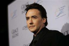 "<p>John Cusack poses at the premiere of ""Grace Is Gone"" at the Academy of Motion Picture Arts and Sciences in Beverly Hills, California November 28, 2007. REUTERS/Mario Anzuoni</p>"