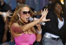 <p>Mariah Carey performs during ABC Good Morning America Summer Concert Series at Times Square in New York, April 25, 2008. REUETERS/Mike Segar</p>