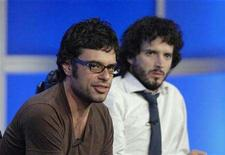 "<p>Actors Jemaine Clement (L) and Bret McKenzie (R) answer questions during the panel for the HBO series ""Flight of the Conchords"" at the Television Critics Association Summer Press Tour in Los Angeles July 12, 2007. REUTERS/Phil McCarten</p>"