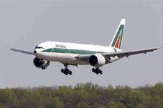 <p>Un velivolo di Alitalia. REUTERS/Jason Reed</p>