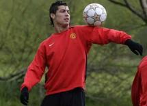 <p>Cristiano Ronaldo, do Manchester United, em treino no dia 28 de abril. Ele foi eleito o melhor jogador da Inglaterra pela segunda vez. Photo by $Byline$</p>