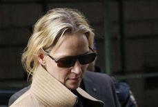 <p>Uma Thurman arrives at court on the third day of the trial for a man accused of stalking her in New York May 1, 2008. REUTERS/Chip East</p>