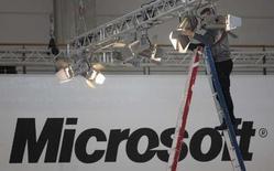 <p>Microsoft a posé à Pékin la première pierre d'un centre de recherche et développement de 280 millions de dollars (180 millions d'euros), appelé à devenir son plus important site de recherche hors des Etats-Unis. /Photo prise le 3 mars 2008/REUTERS/Hannibal Hanschke</p>