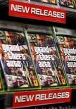 """<p>L'éditeur de jeux vidéo américain Take-Two Interactive Software annonce avoir vendu six millions d'exemplaires de son jeu """"Grand Theft Auto IV"""" dès la première semaine de commercialisation, pour un chiffre d'affaires total dépassant 500 millions de dollars (324 millions d'euros environ). /Photo prise le 28 avril 2008/REUTERS/Lucas Jackson</p>"""