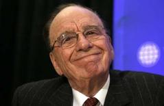 <p>Rupert Murdoch, le patron de News Corp. Le groupe annonce un triplement de son bénéfice net au troisième trimestre grâce à la hausse des ventes publicitaires des chaînes de télévision Fox TV et Fox News Channel et à une plus-value exceptionnelle tirée d'un échange d'actions avec Liberty Media. /Photo prise le 21 avril 2008/REUTERS/Kevin Lamarque</p>