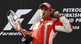 <p>Felipe Massa vence GP da Turquia de Fórmula 1. O piloto Felipe Massa, da Ferrari, venceu no domingo, pelo terceiro ano consecutivo, o Grande Prêmio da Turquia de Fórmula 1. 11 de maio. Photo by Fatih Saribas</p>