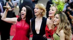 <p>Quarteto de 'Sex and the City' está de volta em filme. As atrizes Kristin Davis, Cynthia Nixon, Kim Cattrall e Sarah Jessica Parker na estréia mundial  do filme 'Sex and the City' em Londres. As estrelas do seriado passaram para a tela grande e estão de volta. 12 de maio. Photo by Dylan Martinez</p>