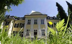 <p>Villa Trapp, the original Sound of Music family home, is pictured in Salzburg May 13, 2008. Georg von Trapp and his family used to live in this house from 1923 till their emigration to the U.S. in the late 1938. The original von Trapp family home will be reopened as a hotel in July to give people for around 100 euros ($155) a night the chance to lay their head to rest where the von Trapp family once lived, get married in the house's chapel or have a Sound of Music dinner in the family dining room. REUTERS/Leonhard Foeger</p>