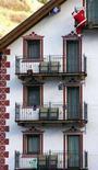 <p>Ici, studio Uil: eliminazione su prima casa costa 2 miliardi. REUTERS/Alessandro Bianchi</p>