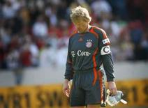 <p>Ex-melhor do mundo, goleiro Oliver Kahn encerra carreira. O goleiro alemão Oliver Kahn, do Bayern de Munique, depois de partida do Campeonato Alemão. 21 de abril de 2007. Photo by Kai Pfaffenbach</p>