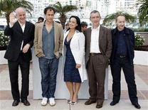"<p>Italian director Matteo Garrone (2nd L) poses with cast members Toni Servillo (L) and (R-L) Salvatore Cantalupo, Gianfelice Imparato and Maria Nazionale during a photocall for the film ""Gomorra"" at the 61st Cannes Film Festival, May 18, 2008. REUTERS/Vincent Kessler</p>"