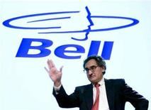 <p>Michael Sabia, president and chief executive officer of BCE Inc., waves after the special shareholders meeting in Montreal, Quebec, September 21, 2007. REUTERS/Christinne Muschi</p>