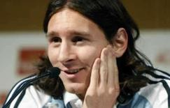 <p>Messi põe Olimpíada à frente de jogos pelo Barcelona. Lionel Messi disse nesta quinta-feira que prefere disputar os Jogos Olímpicos de Pequim pela Argentina a estar com o Barcelona na fase classificatória da Liga dos Campeões. 22 de maio. Photo by Albert Gea</p>