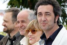 "<p>Italian director Paolo Sorrentino (R) poses with cast members from (L-R) Massimo Popolizio, Toni Servillo and Piera Degli Esposti during a photocall for the film ""Il Divo"" at the 61st Cannes Film Festival May 23, 2008. REUTERS/Vincent Kessler</p>"