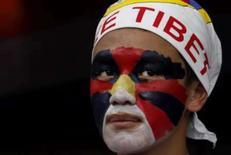 <p>Exilado tibetano protesta em Nova Délhi, 24 de maio de 2008. Photo by Adnan Abidi</p>