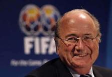 <p>Blatter intensifica campanha por cota para estrangeiros. O presidente da Fifa, Joseph Blatter, vai prosseguir com os planos de limitar o número de jogadores estrangeiros em campo nos clubes de futebol. 27 de maio. Photo by Daniel Munoz</p>