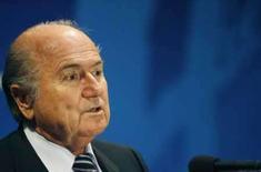 <p>Mundial de Clubes da Fifa será nos Emirados Árabes em 2009, 2010. O presidente da Fifa, Joseph Blatter, em entrevista coletiva em Sidney. Os Emirados Árabes Unidos ganharam o direito de sediar o Mundial de Clubes da Fifa em 2009 e 2010, superando as propostas de Japão e Austrália. 27 de maio. Photo by Daniel Munoz</p>