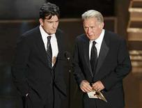 <p>El actor Martin Sheen dijo que como padre de un drogadicto, el único modo de ayudarlo fue el de aguantar su odio e incluso denunciarlo a las autoridades. El ex protagonista de 'West Wing' dijo que hizo todo lo posible hasta el punto de ser un 'fanático' cuando se enteró de que uno de sus cuatro hijos, el también actor Charlie Sheen, consumía drogas. Photo by (C) MIKE BLAKE / REUTERS/Reuters</p>
