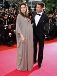 <p>La actriz Angelina Jolie dio a luz en Francia a dos niños fruto de su relación con el actor Brad Pitt, por lo que la famosa pareja de Hollywood ya tiene seis hijos, dijo el programa de televisión 'Entertainment Tonight'. La información fue atribuida a una fuente no identificada cercana a la actriz de 32 años. No se dieron más detalles del tema. En tanto, aún no hubo declaraciones al respecto de los representantes de Jolie o de Pitt. Photo by Vincent Kessler/Reuters</p>