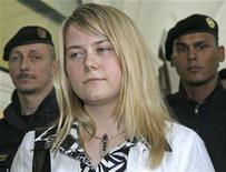 <p>Kidnap victim Natascha Kampusch leaves a civil court after testifying in Graz May 15, 2008. REUTERS/Heinz-Peter Bader</p>